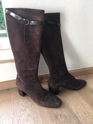 Braune Wildleder Stiefel in italienischem Design