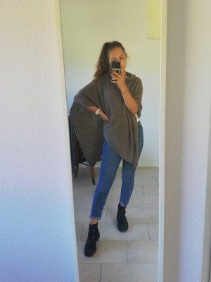 Cashmere Poncho en tricot gris brun