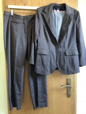 Class Trouser Suit brown