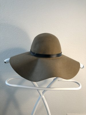 H&M Bowler Hat light brown