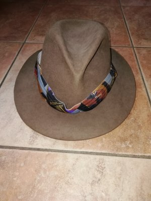 Chapeau de cow-boy marron clair-brun