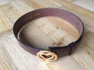 Moschino Cinturón de cuero marrón oscuro-color oro Cuero