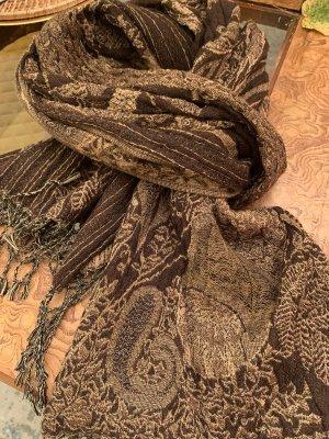 Brauner Schal aus Wolle