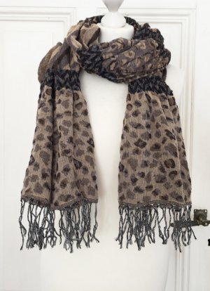 Brauner Schal mit Fransen und Animalprint