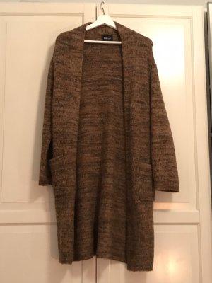 Brauner Wintercardigan von Zara