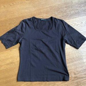 Braunes Basic Shirt von Yannick Größe M