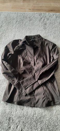 Braunes Hemd