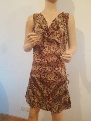 braunes Kleid mir Wasserfallkragen