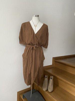 Closed Vestido cruzado marrón claro