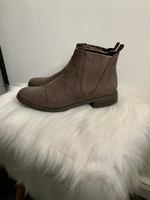 Braungraue Ankle Boots