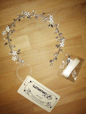 Ribbon white-silver-colored