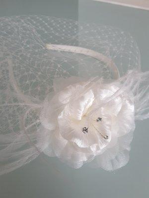 Braut Haarschuck Haargestek, Haarreif mit Steinchen, Federn und Tüll