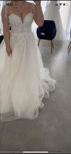 Modessa Suknia ślubna biały