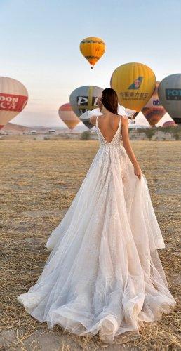 Eva Lendel Suknia ślubna w kolorze białej wełny