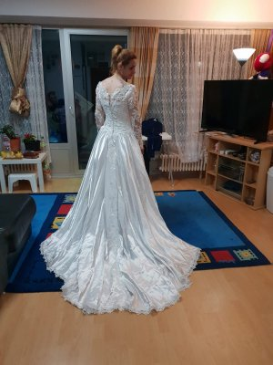 Suknia ślubna biały