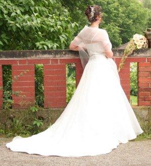 KLEEMEIER Bruidsjurk licht beige