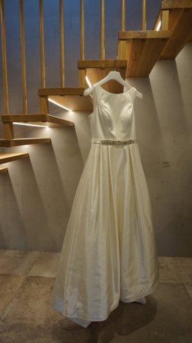 Sposa Toscana Wedding Dress white
