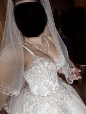 Vestido de novia blanco puro-rosa