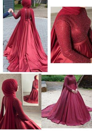 Suknia ślubna bordo