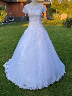 LisaDonetti Wedding Dress white