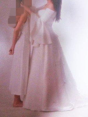 Suknia ślubna jasnobeżowy
