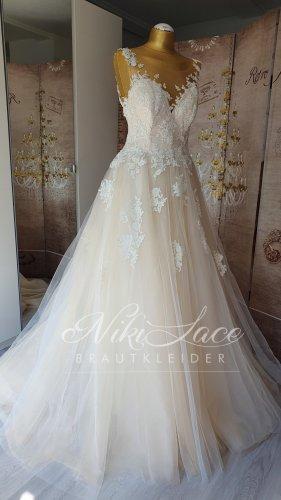 Brautkleid Hochzeitskleid Blush mit Perlenverzierter Spitze SALE /OUTLET NEU mit Etikett Gr 40