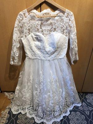 Brautkleid / Hochzeitskleid in Ge.38/40 von Chi Chi London in weiß / spitze .