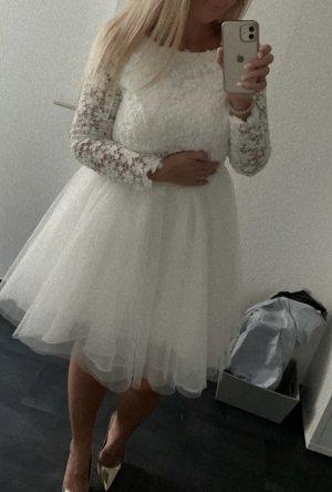 / Suknia ślubna biały