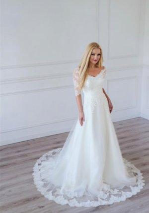 Brautkleid mit toller Spitze in milch weiß