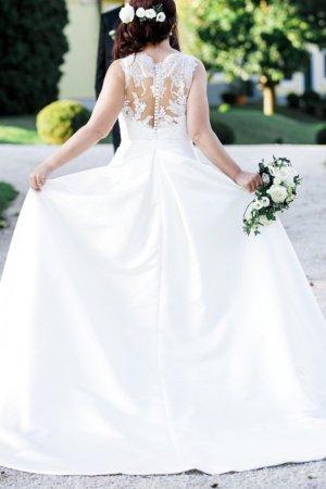 Pronovias Wedding Dress white-cream