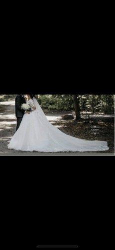Vestido de novia blanco-burdeos
