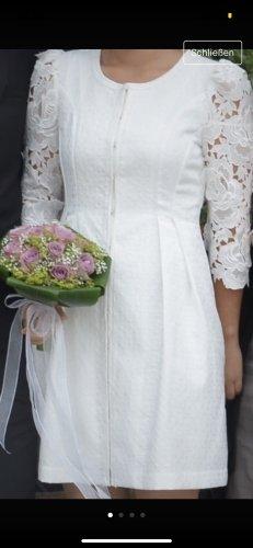 Apart Vestido de novia crema