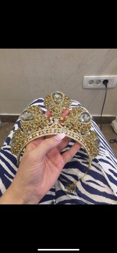 Headdress gold-colored