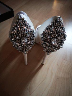 Brautschuhe weiß mit Verzierung neu