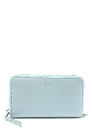 Bree Wallet blue casual look