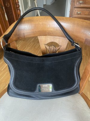 Bree Handtasche schwarz Leder