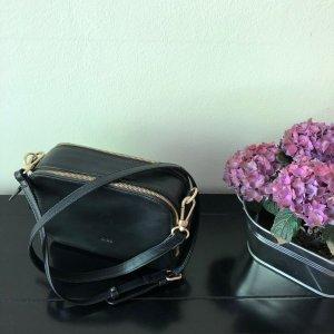Bree Nieva 1 - Crossbodybag mit langem Riemen - schwarz
