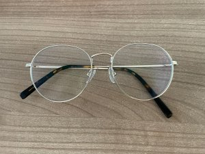 Eyes and more Gafas color oro metal