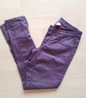 brombeerfarbene Jeans in Lederoptik von Vila Größe XS