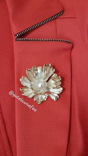 Brosche Blume Rose Pfingstrose Strass synthetische Perle weiß / Anhänger