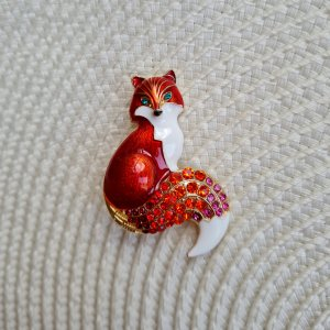 Glitz & Glam Broche rojo frambuesa-magenta