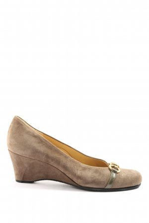 Brunate Wedge Pumps brown casual look