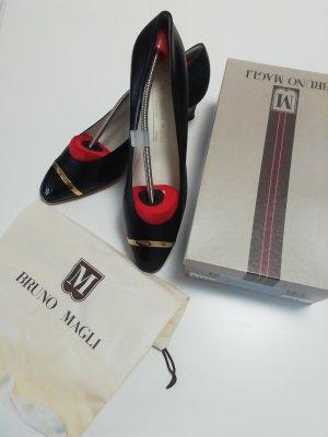Bruno Magli Classic Court Shoe black-gold-colored