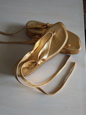 Bruno Magli Sandalias con plataforma color oro Cuero