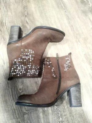 Bruno Premi Ankle Boots Braun Echtleder mit Nieten
