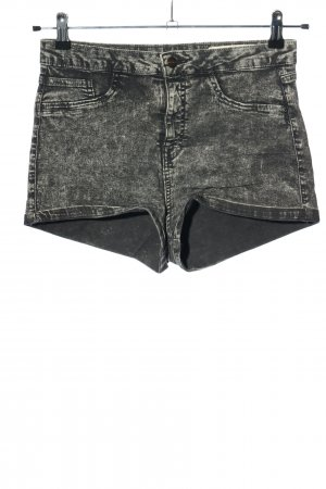 BSK by Bershka Denim Shorts light grey color gradient casual look