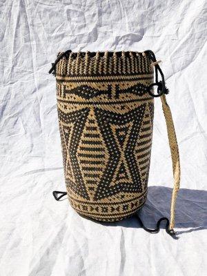 Bolso tipo cesta multicolor madera