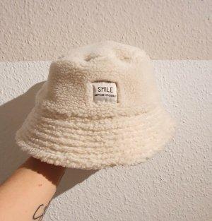 H&M Cappello in pelliccia crema