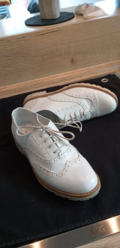 Graceland Wingtip Shoes oatmeal