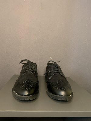Wingtip Shoes black